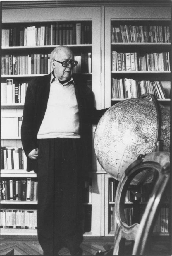 FD in his library in Neuchâtel. Photo: Philipp Keel
